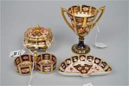 4 Royal Crown Derby Imari porcelain articles, incl;
