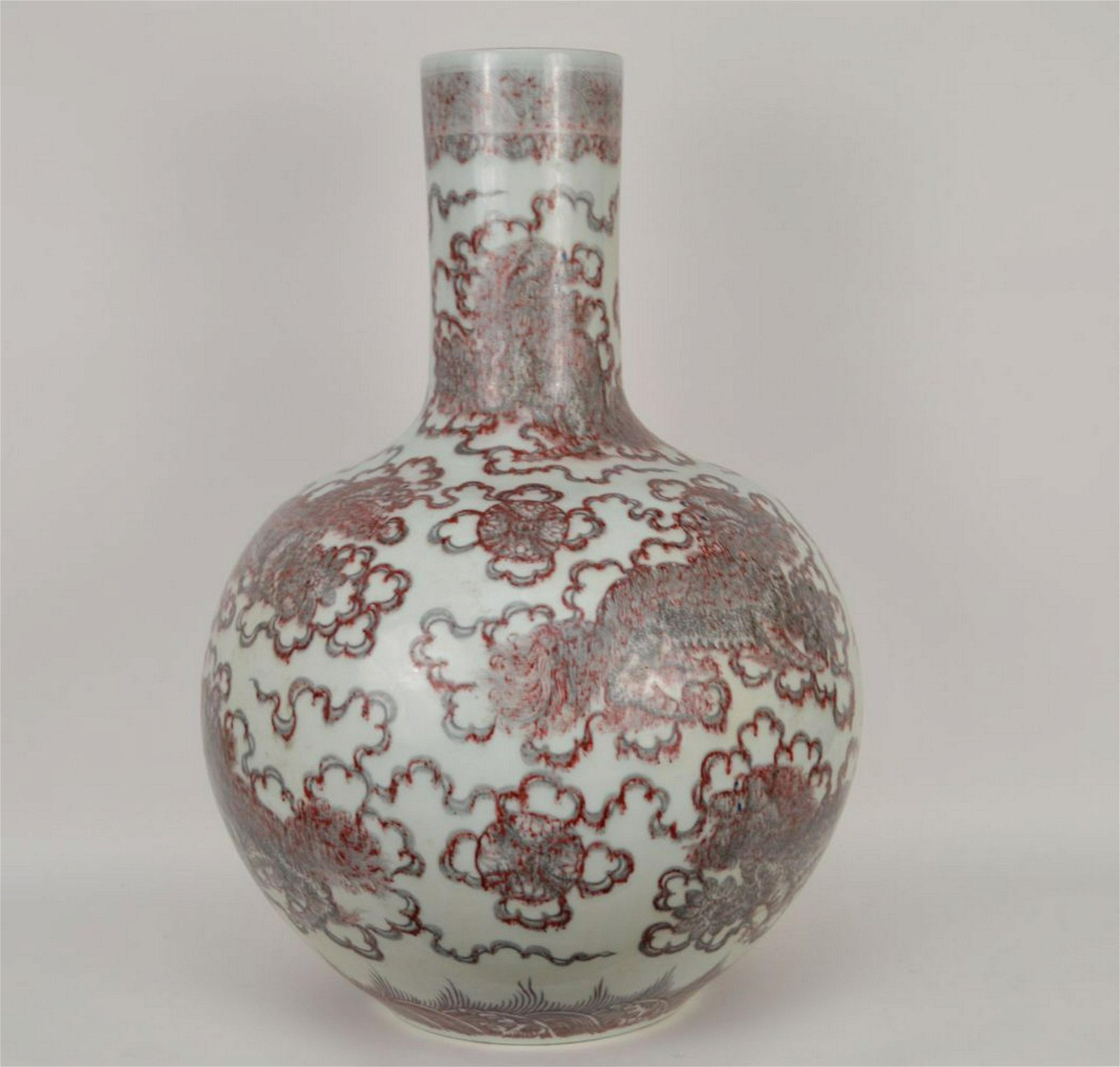 LARGE CHINESE PORCELAIN VASE WITH IRON RED DECORATION