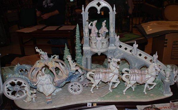 "90: Majestic Lladro Coach "" Cinderella's Arrival """