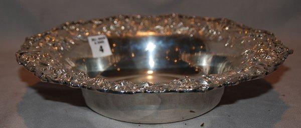 "1004: Kirk sterling repousse bowl, 18oz, 11"" diam. X 2"