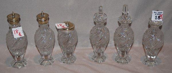 1018: A lot of 6 pieces: glass small jars / salt & pepp