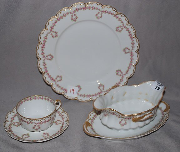 1019: Approx 70pc. Theodore Haviland Limoges France
