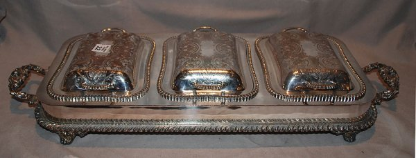 1022: Silver Plate buffet serving piece with 3 covered