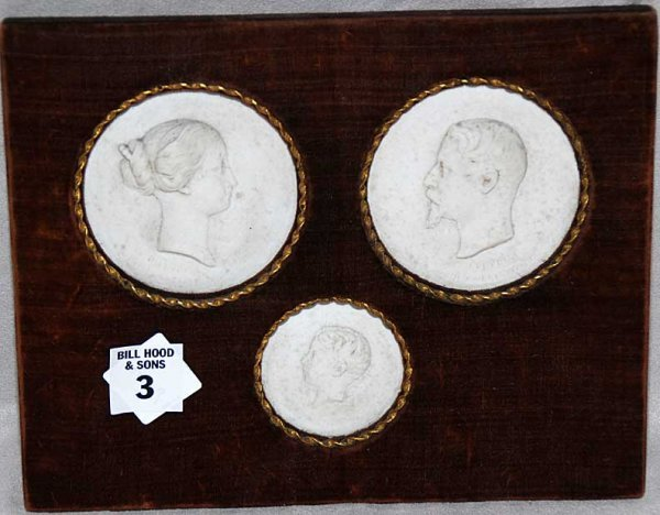1003: Plaque with 3 blanc-de chin, medallions of Napole