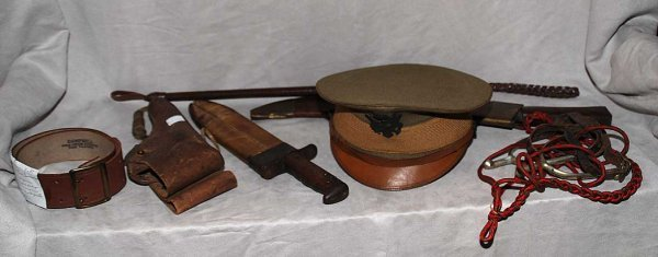1025: Collection of U.S. Army WWI memorabilia holster