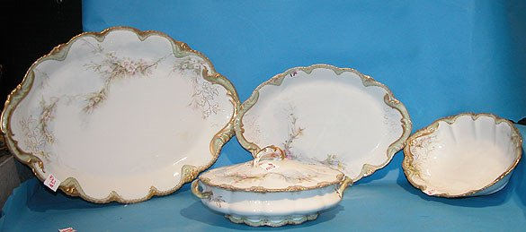 1017: (4) Matching pieces of Theo Haviland china, incl:
