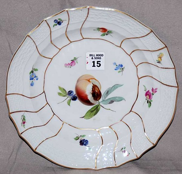 15: Meissen shallow bowl, peach in center with fruit an