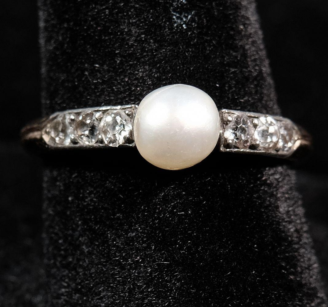 18kt Natural Pearl & Diamond Ring, c. 1915, 2.9 grams