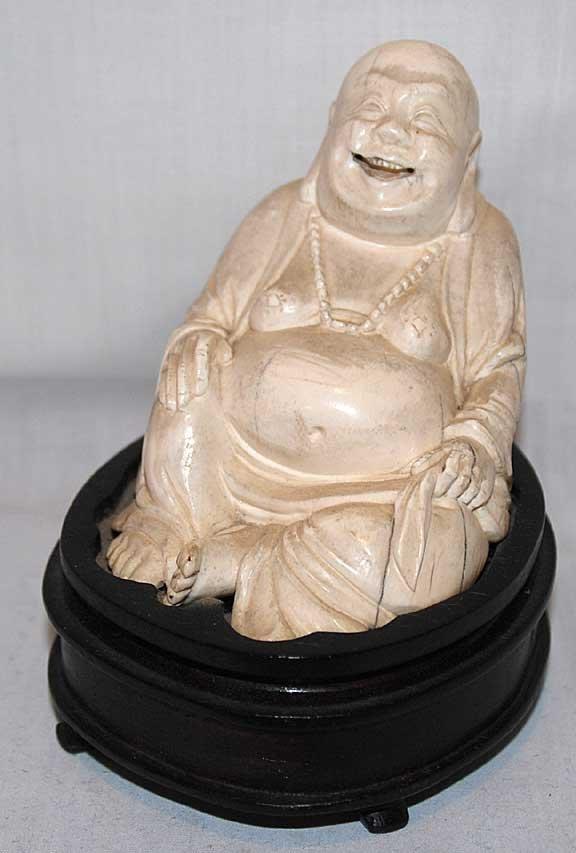5: Ivory Buddha on affixed stand, in original box, figu