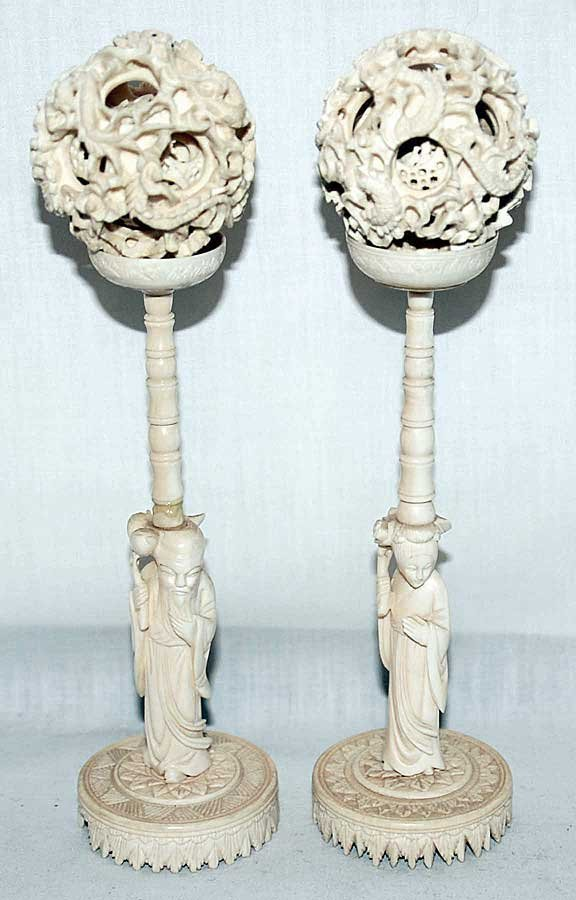 13: 2 ivory magic ball carvings, each pc has separated
