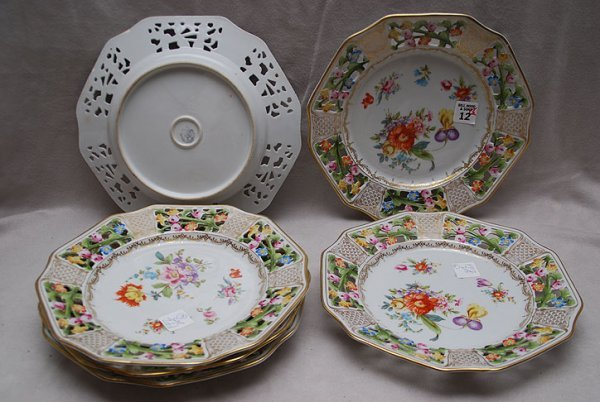 "12: 6 reticulated ""Bavaria R & W"" 10"" diameter plates"