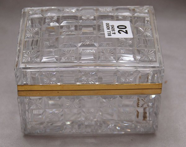 """20: Signed Baccarat box with hinged top , 5 1/4""""h x 3 3"""
