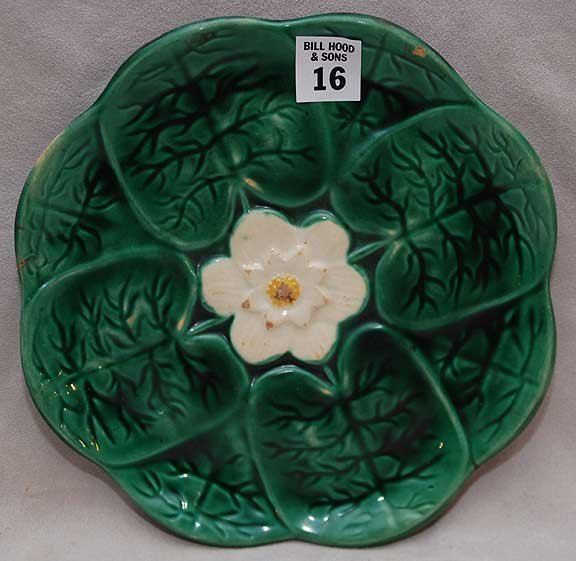 "16: 2 majolica plates, 1 is 8 1/2""dia with small chip t"