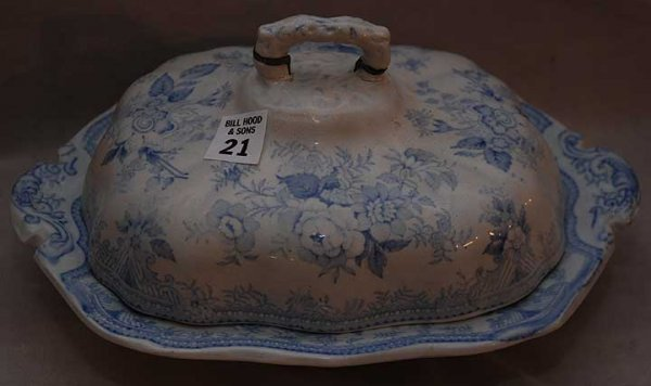 "21: ""Spode"" blue and white covered vegetable dish, flor"