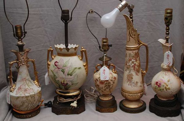 9: 5 Worcester style lamps with attached bases, tallest