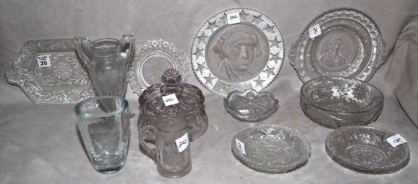 20: 12 pcs assorted American commemorative glass & flin
