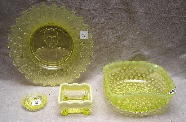 22: 4pcs American antique Vaseline glass, square hobnai