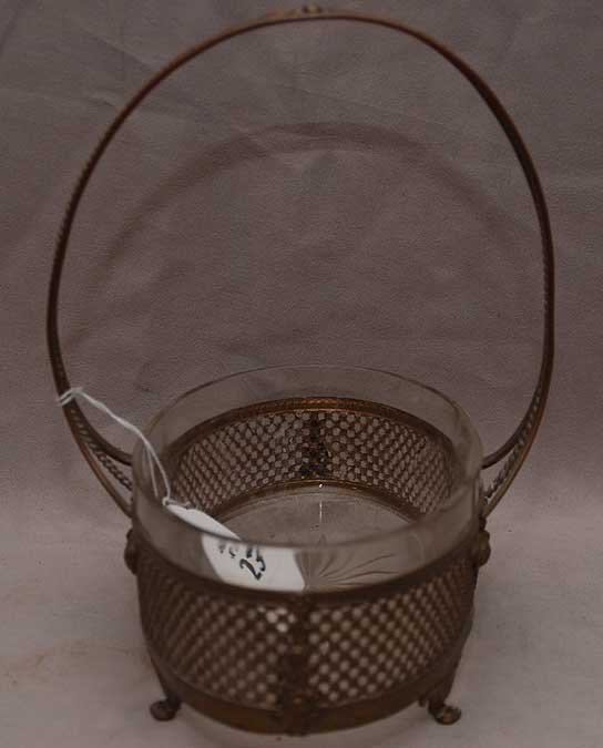 "23: Gilt metal centerpiece basket with glass liner, 10"""