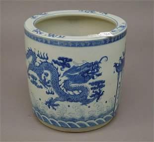 Large Chinese Blue & White Porcelain Pot - Dragon motif