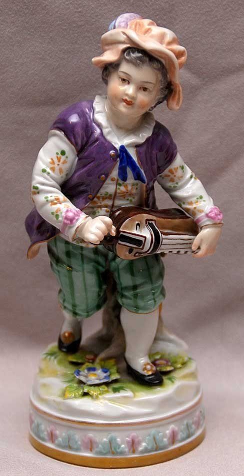 18: Early Capodimonte porcelain figure of young boy pla