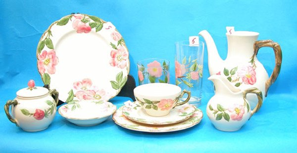 1005: Approx. 100 pc. Set of Franciscan dinner service,