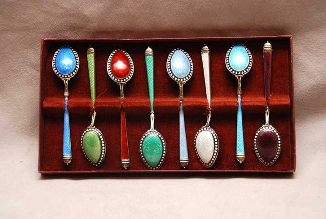 1: 8 English sterling and enamel spoons