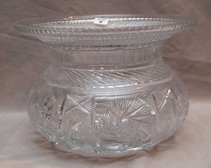 9: Large cut crystal centerpiece with large rim, modern