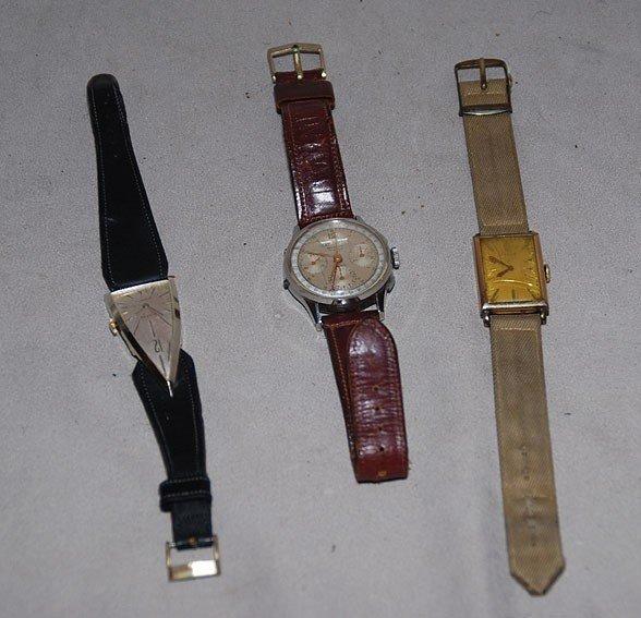 4: Lot of 3 vintage wrist watches, incl; Mundus, Elgin