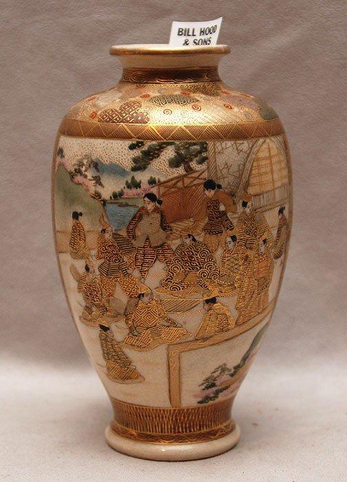 "19: Satsuma vase, multitude of figures, 6""h"