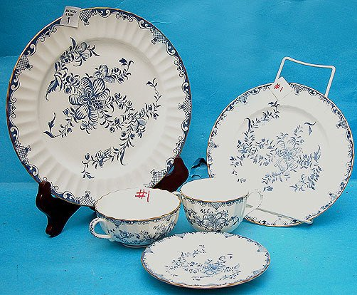 """1: Royal Worcester """"Mansfield"""" dinner service china set"""