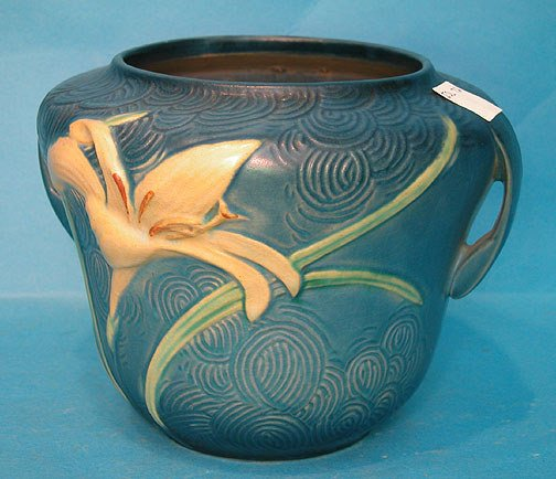 "4: Blue Roseville double handled lily vase, 6 1/2""h x 9"
