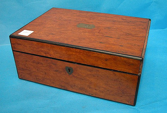 15: Lovely 19th century box with burled veneer surface,