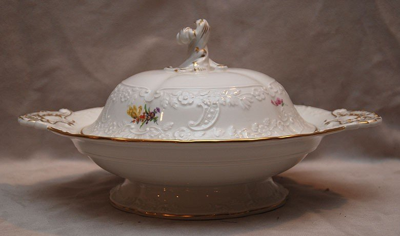 """5: Meissen covered serving bowl, 6""""h x 13""""w"""