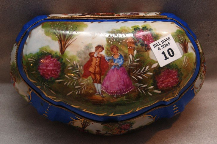 10: Sevres style porcelain hinged box with courting cou
