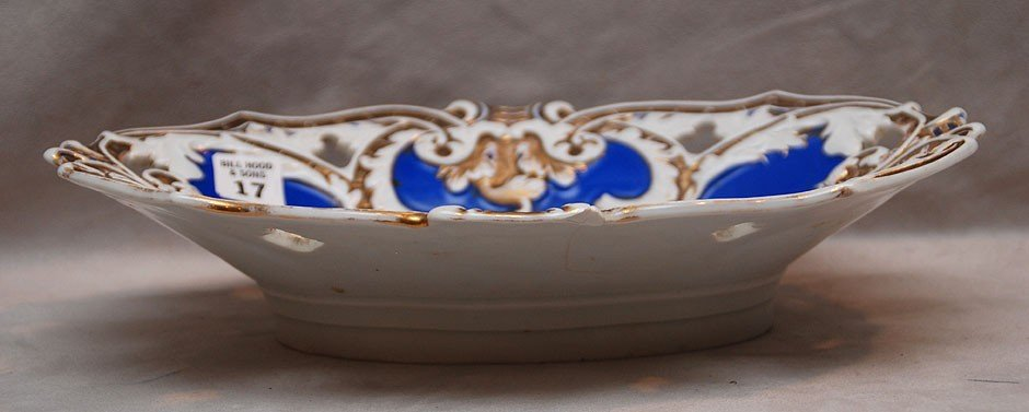 17: Meissen blue and white bowl with gold accents, 2 1/