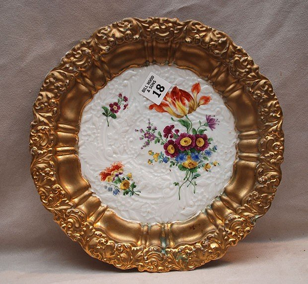 18: Meissen plate with floral motif and gilded edges, 1