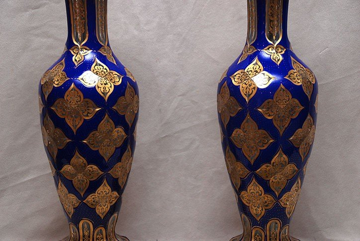 382: Pair of footed glass cobalt blue table lamps with  - 3