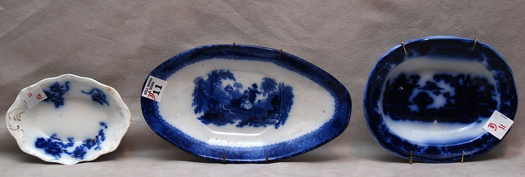 11: 3 Flow blue pieces; mini bowl (chip), small bowl an