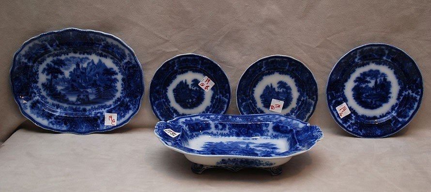 19: 12 Flow blue pieces with similar border; 6 bowls, 2