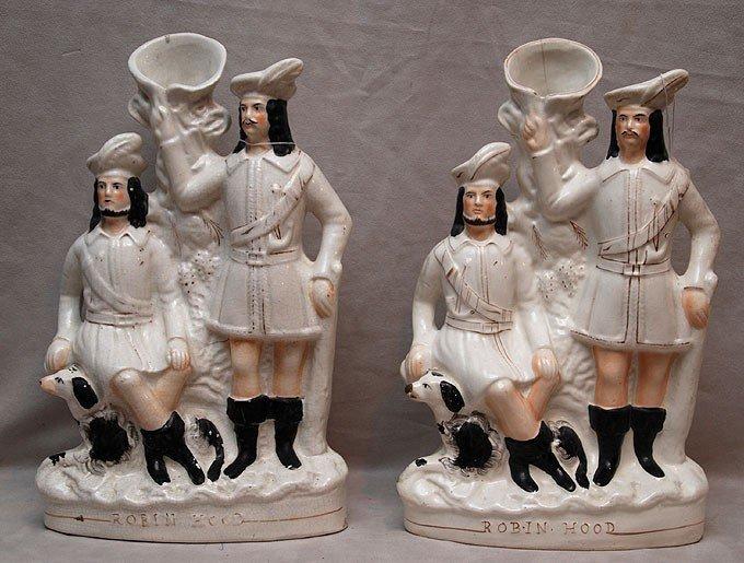 """24: Pair of Staffordshire figures """"Robin Hood"""" spill va"""