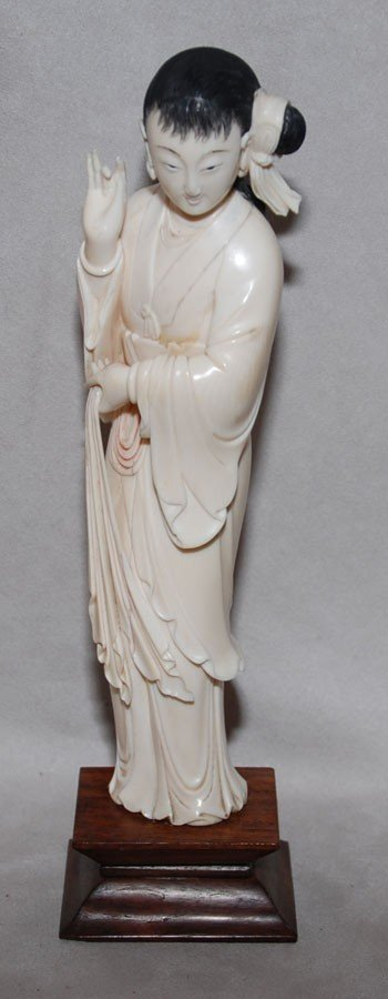 132: Chinese carved ivory figure of Quan Yin on attache