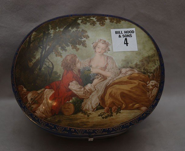 4: RS Prussia oval hinged cobalt box with courting coup
