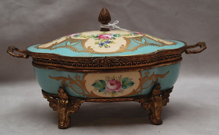 5: Sevres footed dresser box (old staple repair on hing