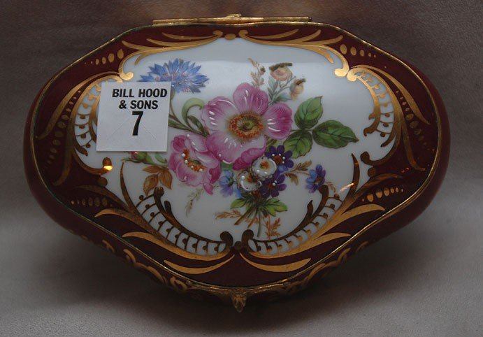 7: F.M. Limoges France dresser box with floral motif, 2
