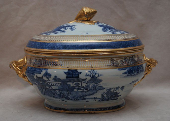 17A: Chinese Export Canton gilt decorated covered turee