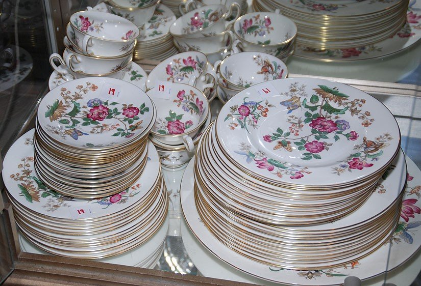 "19: Wedgwood china set, service for 12 ""Charnwood"" flow"
