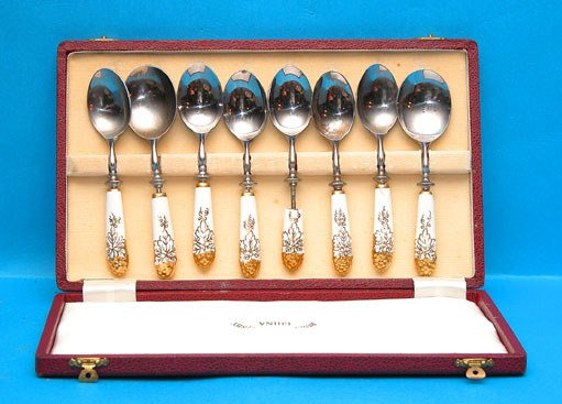 1017: Royal Crown Derby flatware set in original boxes,