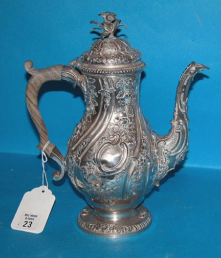 1023: London silver pot, heavily decorated, ca. 1757-17