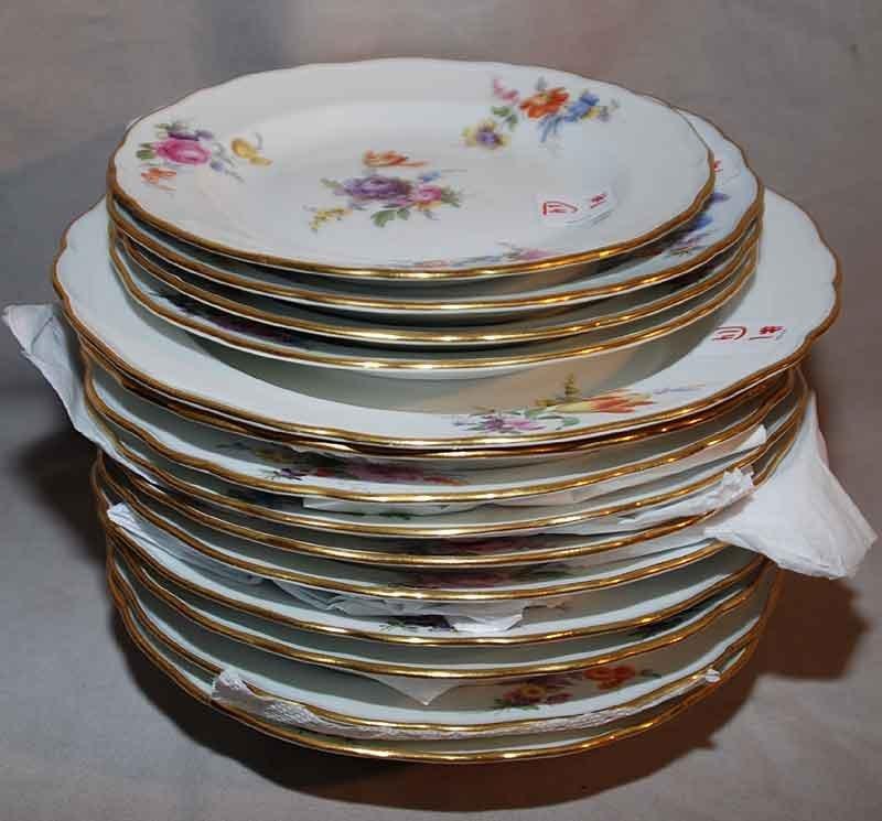"""1: 9 Meissen bowls (9 3/4""""dia), 1 large bowl (9 7/8""""dia"""