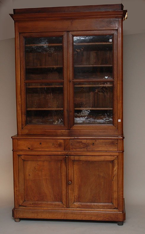 134: Fruitwood 2 part cabinet, 2 glass doors with shelv